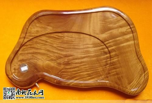 金丝楠木制作的茶盘