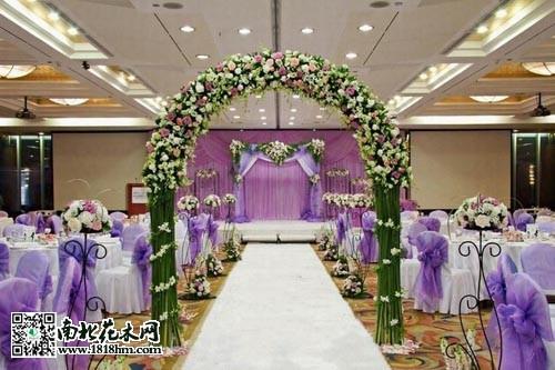 如何布置鲜花婚礼拱门?|鲜花拱门布置方法_花卉常识